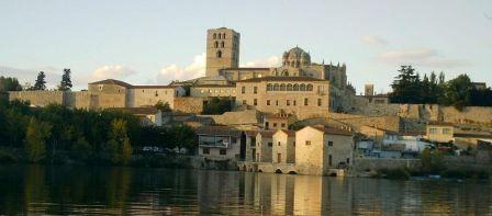 Zamora, catedral y el Duero
